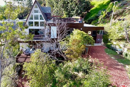 A-Frame in the Hollywood Hills (HSR19-004307)