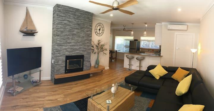 Stylish modern newly renovated 2 bedroom unit