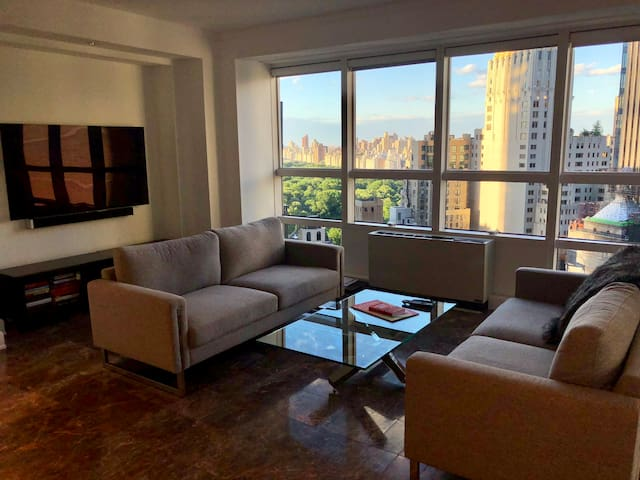 Luxurious 2bed/2.5bath with Central Park Views