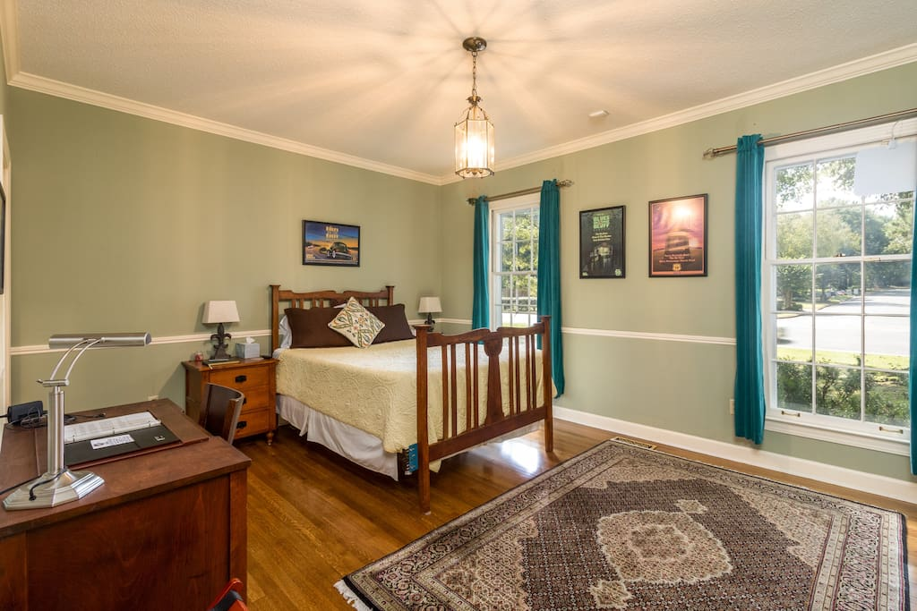 Spacious room with lots of amenities and natural light