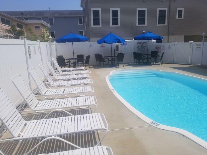North Wildwood Townhouse with Heated  Pool