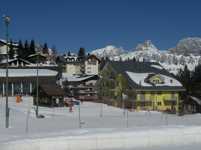 Helle Ferienwohnung***, direkt am Skilift!