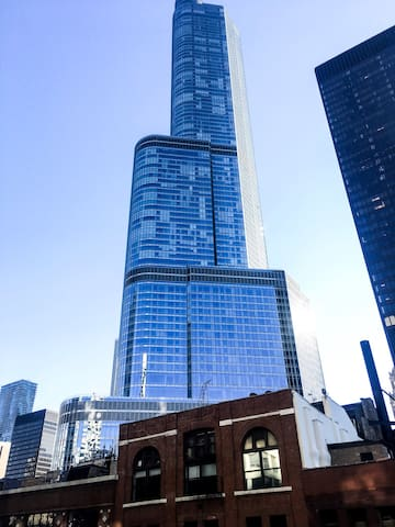 Modern High-Rise Studio Embraced by the Windy City - Chicago - Appartamento