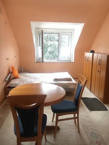 Ruhiges Doppelzimmer in Idar-Oberstein