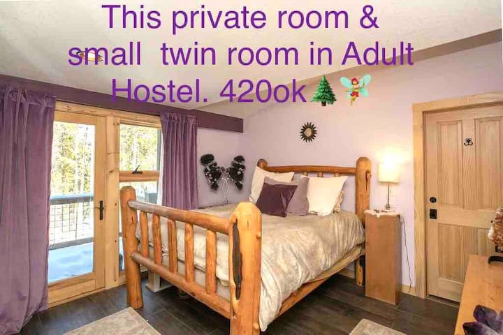 Private 2bed Balcony Suite in Adult Hostel; 420ok