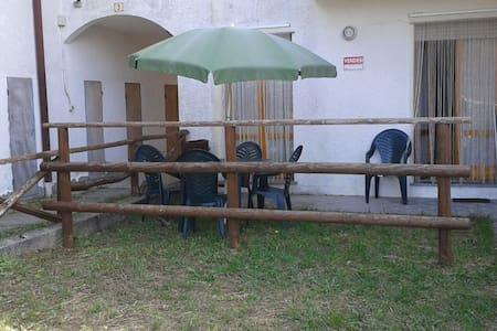 Casa con giardino e parcheggio - Santo Stefano D'aveto