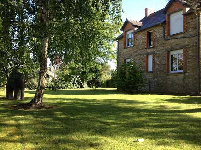 Maison traditionnelle Bretonne - Les Brulais - House