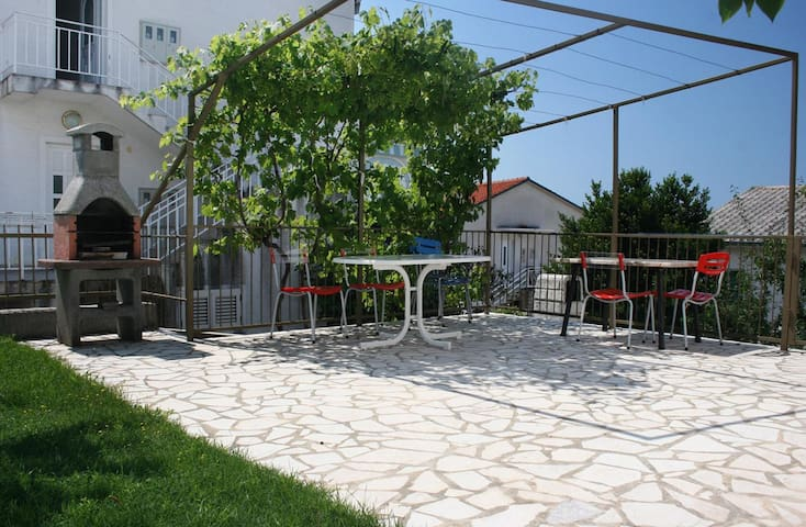 Room with terrace and sea view Selce (Crikvenica) (S-2362-c)