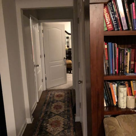 Loving, Quiet, Private Room in great community