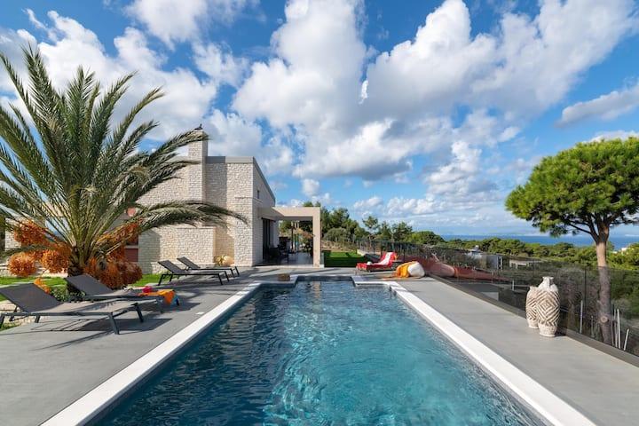 Aura Hill Villa