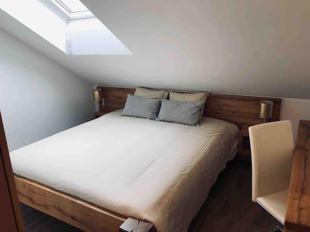 Doppelzimmer mit Bad nahe Luzern