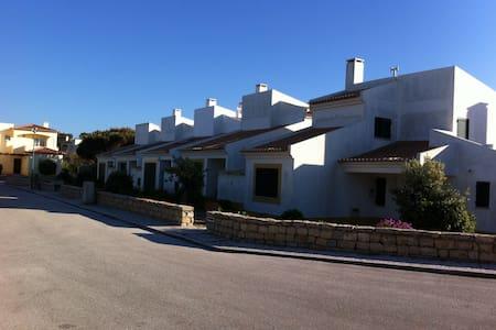 Sweet House in Praia D`el Rey - Óbidos Municipality