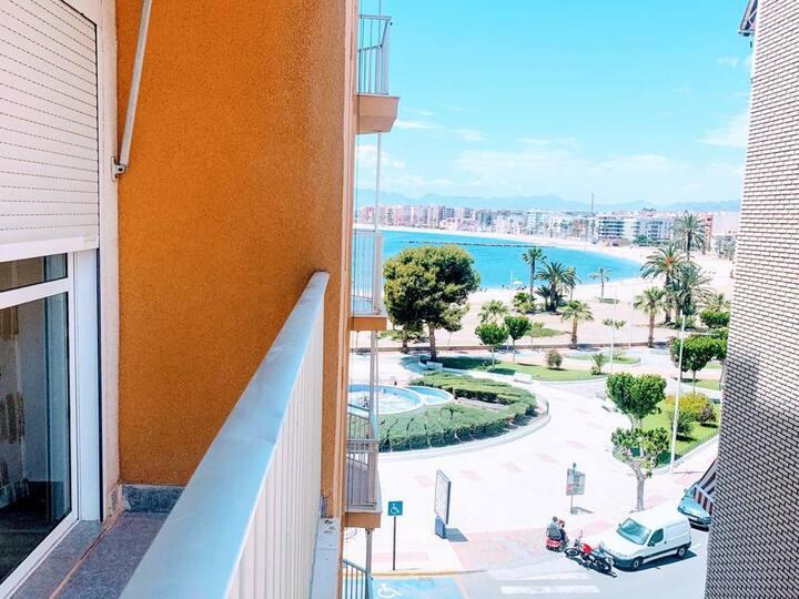 Apartamento Primera Línea Frente Playa de Colonia