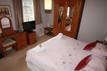 Double en-suite room inc. breakfast - Boscastle