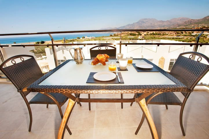 Penthouse private roof terrace with communal pools - Makry Gialos - Appartement