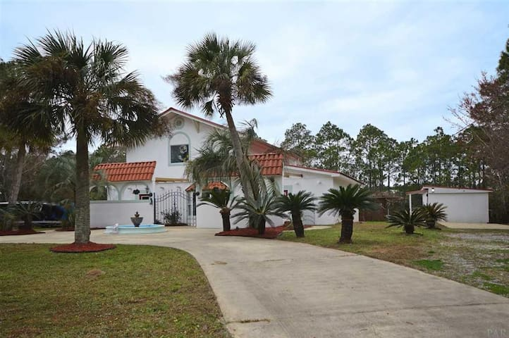 Executive Home on Avalon Beach (Pensacola Area)