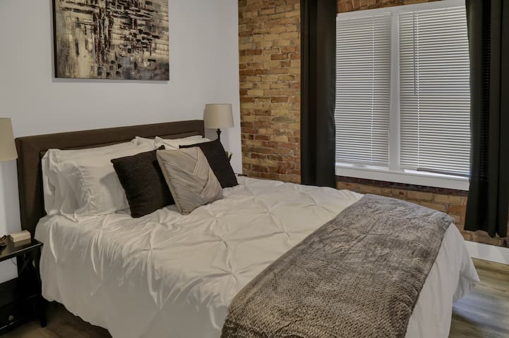 """Guest Bedroom has Queen Size Bed with a 12"""" Memory Foam Mattress and Comfy Bamboo Pillows for a Great nights sleep. Also has a 43"""" Roku Smart TV w/HULU & You Tube TV."""