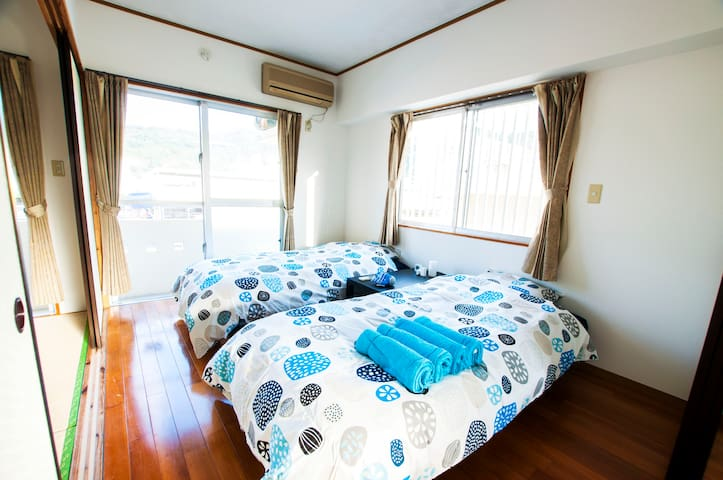 2Central of Nago, Cosy/Convenient Location + Wi-Fi - Nago-shi - Appartement