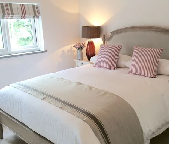 Yew Tree Farm Cottage, Tattenhall, Cheshire - Tattenhall