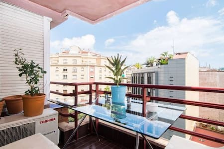 Single room in the heart of Eixample - Barcelona - Apartment