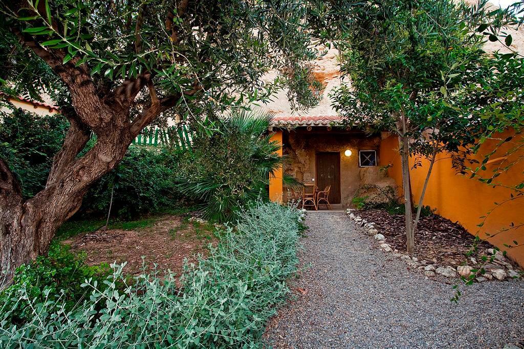 Casa Cueva Alimoche