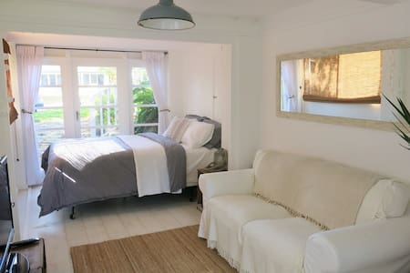 Manly Self Contained Beach Retreat - Manly Vale