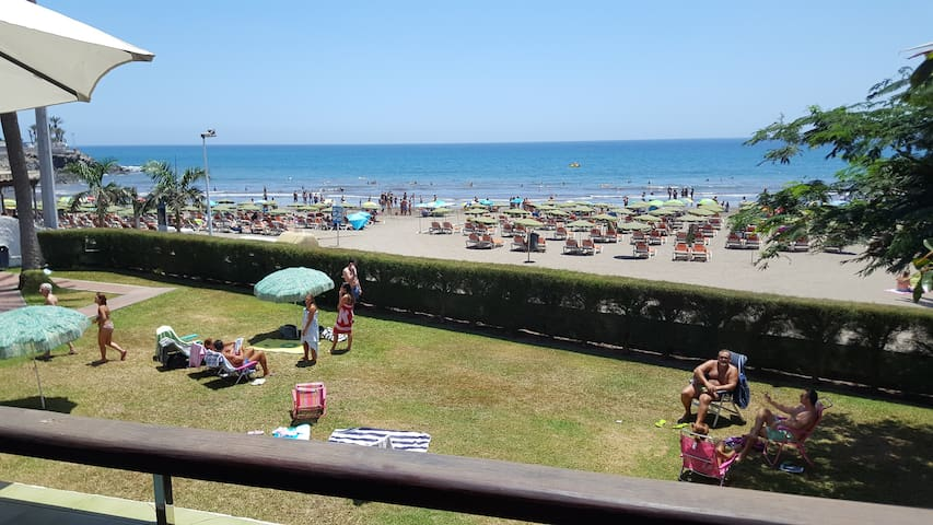 Apartment on the first line of the beach of Las Burras with sea views.