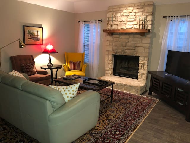 Cozy Hill Country Duplex