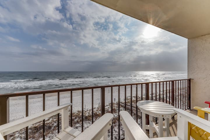 Gulf front condo w/ great views, shared pools, tennis, & beach access!