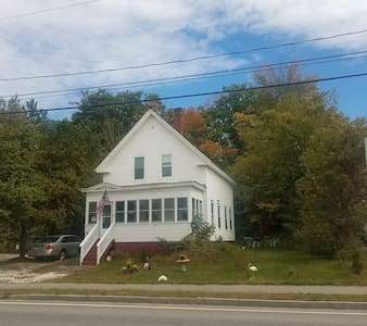 Laconia Home (Lake Opechee, Dog Friendly)