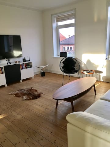 Big private apartment in Esbjerg City - Esbjerg - Apartamento