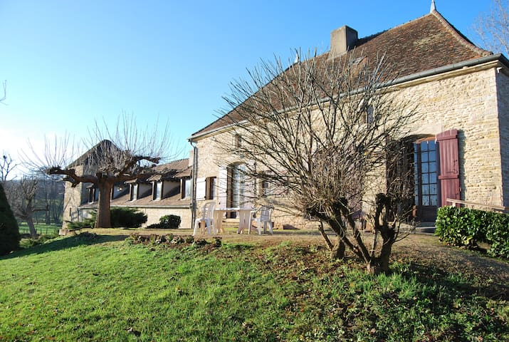 Watermill with tennis swimming pool - Bourgogne - Casa