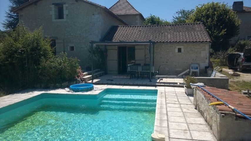Maison familiale de charme en Périgord - Château-l'Évêque - House