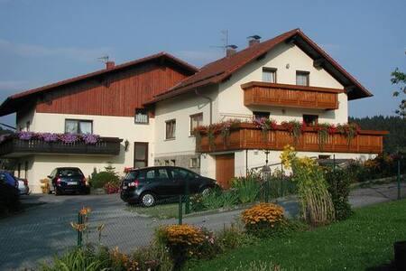 Ferienwohnung 1 (Fam. Rank) in Blaibach