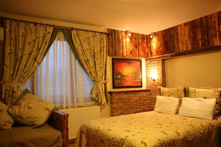 Private Family Room in Fulya Pension