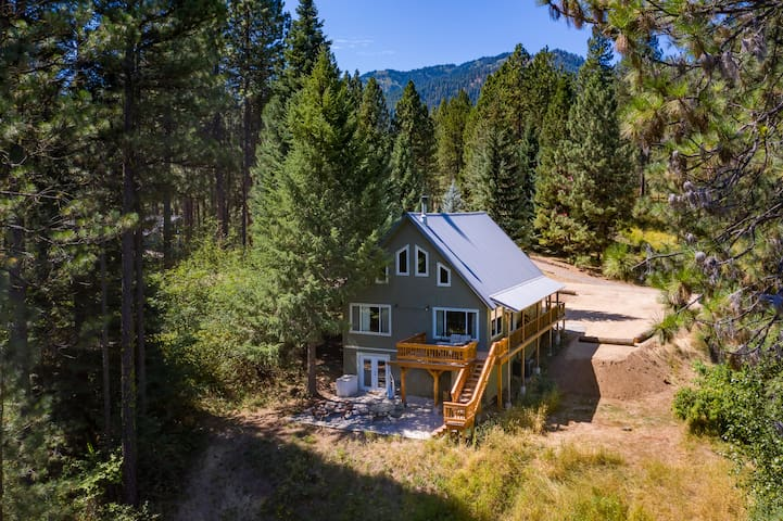 Mountaintop Hideaway Retreat- Perfect Staycation!