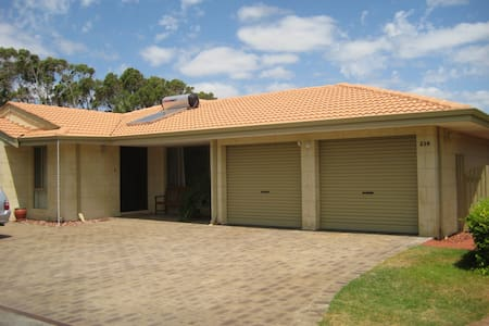Shoalwater Holiday House - Shoalwater - Casa