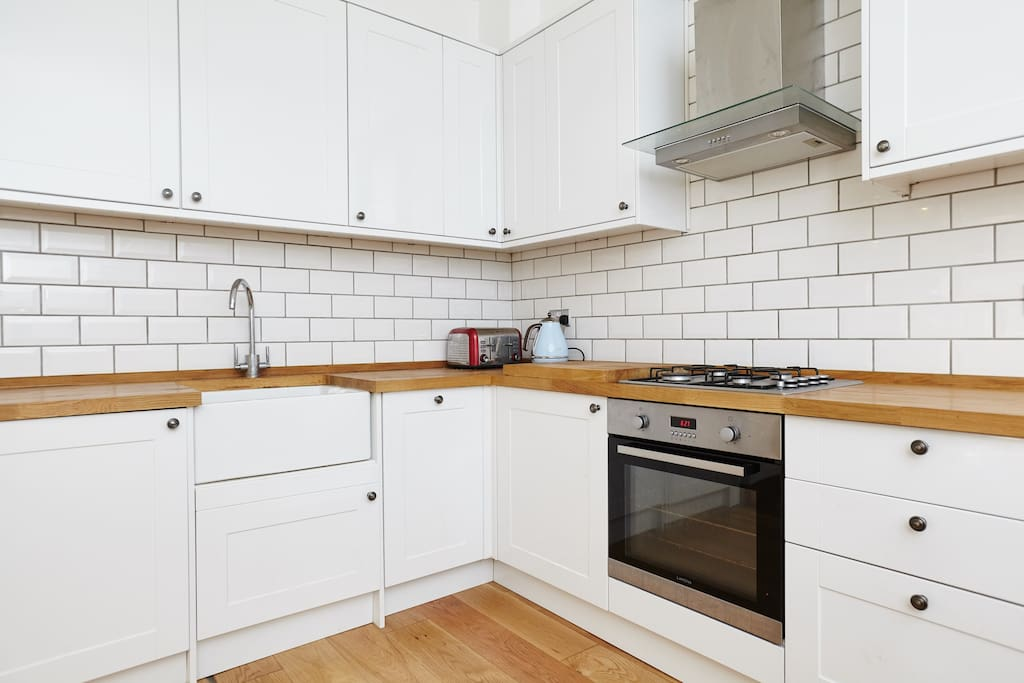 Large modern kitchen with farmhouse sink