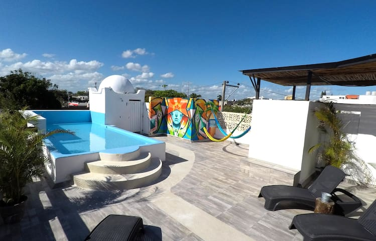 Valentina Rooftop with lounge, hammocks and a wading pool (only 40cm deep)