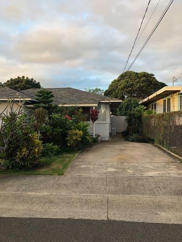 Kailua & Lanikai Beach. Private 1 bedroom house.