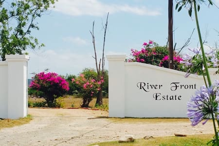 River Front Estate - One - Addo - Hus