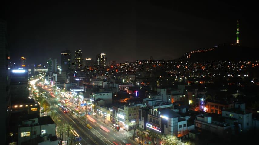 Duplex Studio (N Seoul Tower View) / Seoul Station