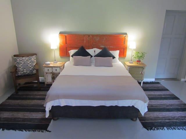 Caledon 31 - George - Bed & Breakfast