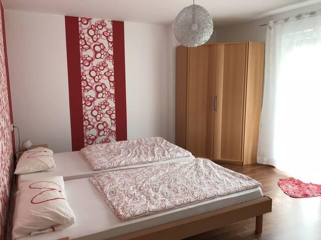 Ferienwohnung Hohfelsenblick, (Seebach), Ferienwohnung, 50qm, 1 Schlafzimmer, 1 Wohn-/Schlafzimmer, Terrasse mit Spielplatz, max. 4 Personen