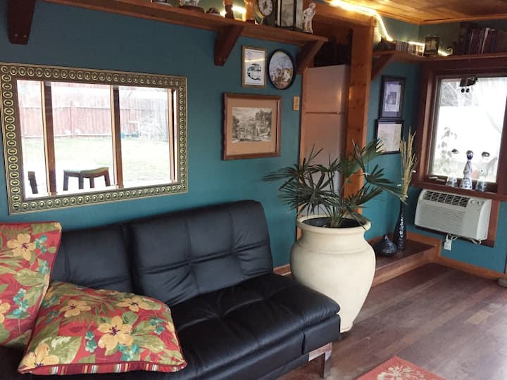 Modern Care Taker Cottage-Close To OIT-Sky Lakes