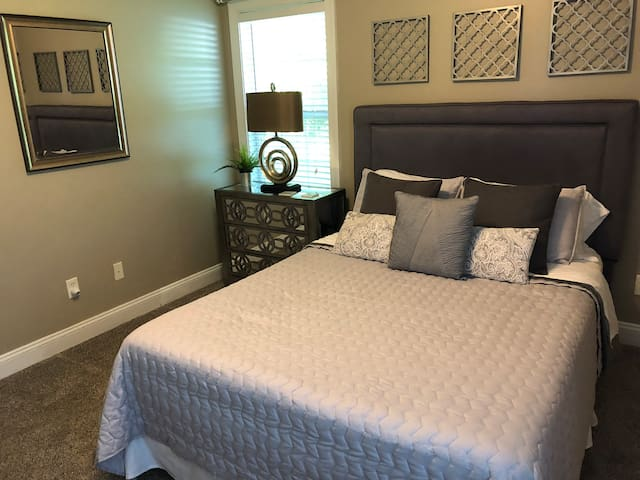 A room perfect for a college student or a guest.