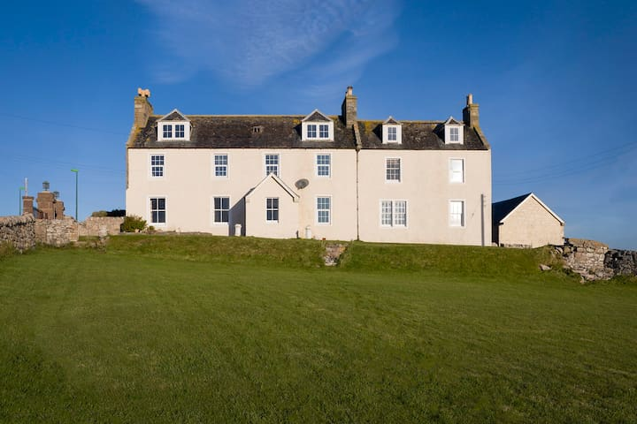 Smoo Lodge - exclusive & stylish B&B, Durness