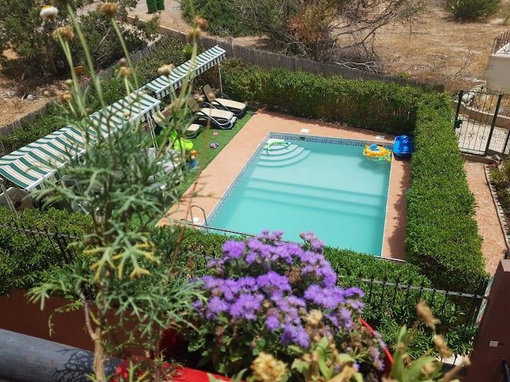 3-Appartement avec piscine près de la mer