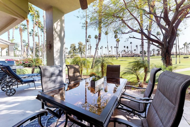 Beautiful condo w/ golf course/mountain views plus a shared pool & spa