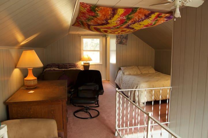 The Zen Room at Toledo Food Love (24/7 access)